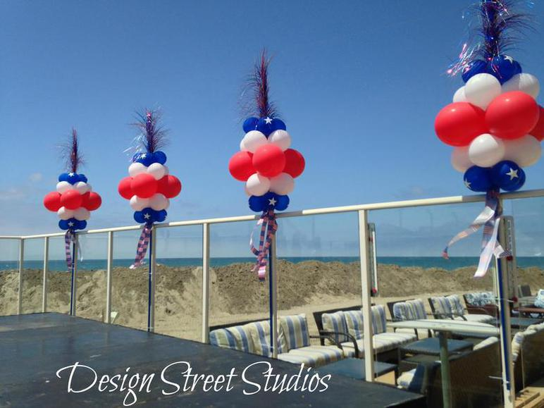 Patriotic Balloon Stand Trees