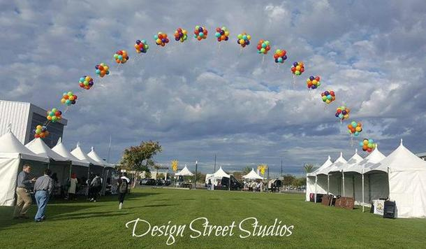 Midway Topiary Balloon Arch